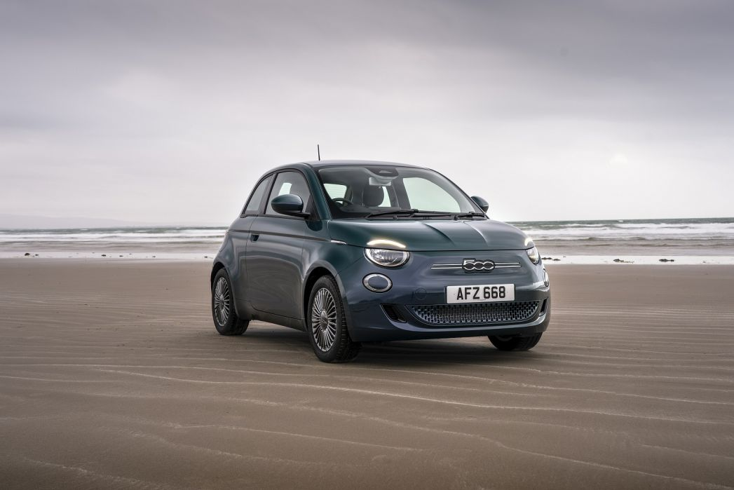 Image 4: Fiat 500 Electric Hatchback 87KW Icon 42KWH 3dr Auto