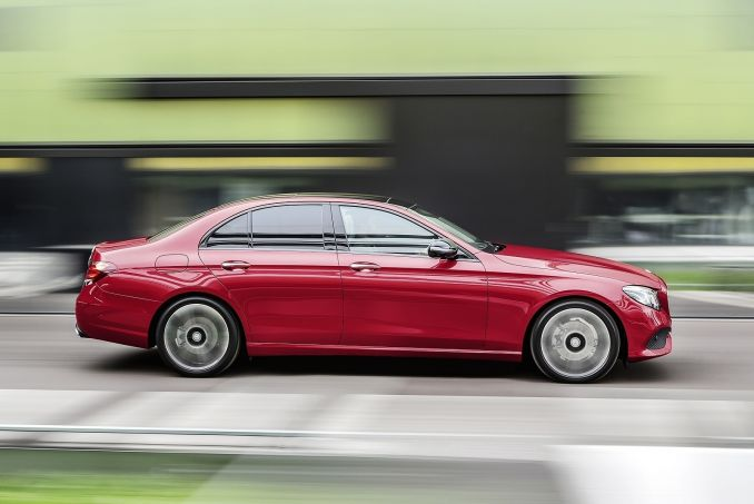 Image 6: Mercedes-Benz E Class Diesel Saloon E220d SE 4dr 9G-Tronic