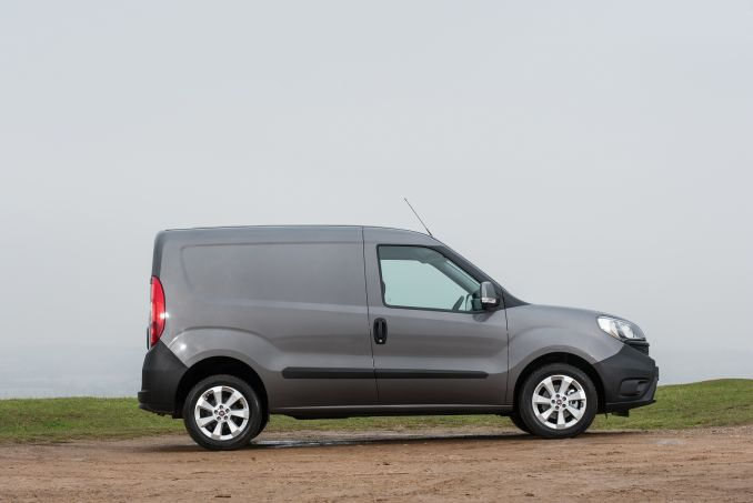 Video Review: Fiat Doblo Cargo L1 Diesel 1.6 Multijet 16V 105 SX VAN Start Stop