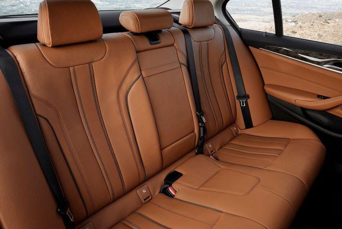 Image 6: BMW 5 Series Diesel Saloon 520D M Sport 4dr Auto