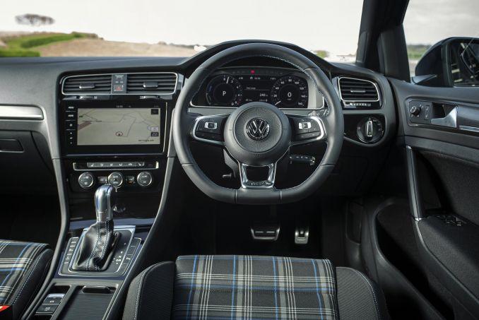Image 3: Volkswagen Golf Hatchback 1.4 TSI GTE Advance 5dr DSG