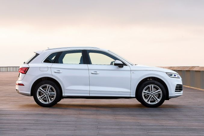 Video Review: Audi Q5 Diesel Estate 40 TDI Quattro Sport 5dr S Tronic [tech Pack]