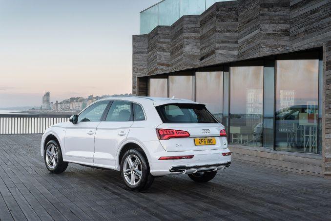 Image 2: Audi Q5 Diesel Estate 40 TDI Quattro S Line 5dr S Tronic [tech Pack]
