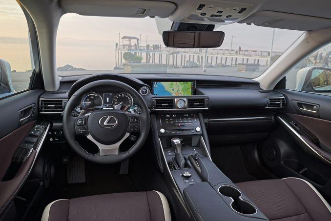 Image 3: Lexus IS Saloon 300H 4dr CVT Auto [comfort Pack]