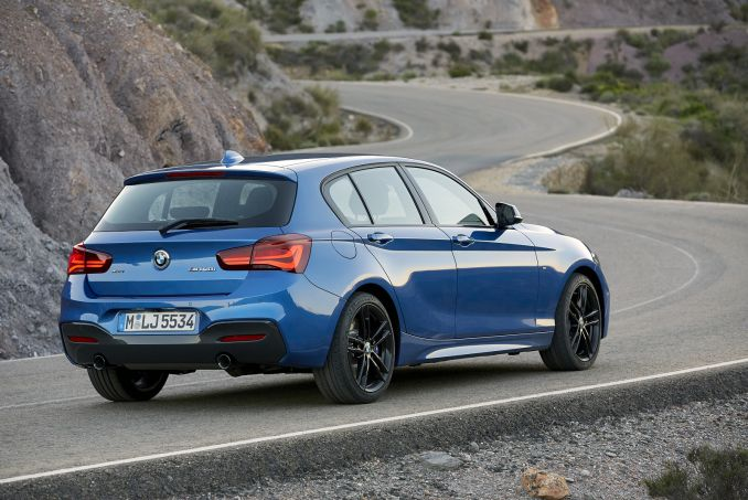 Video Review: BMW 1 Series Hatchback 118I [1.5] SE 5dr [NAV/servotronic]