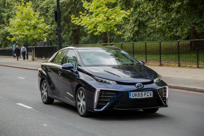 Image 4: Toyota Mirai Saloon Hydrogen Fuel Cell 4dr CVT