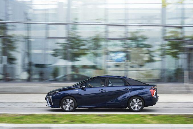 Image 6: Toyota Mirai Saloon Hydrogen Fuel Cell 4dr CVT