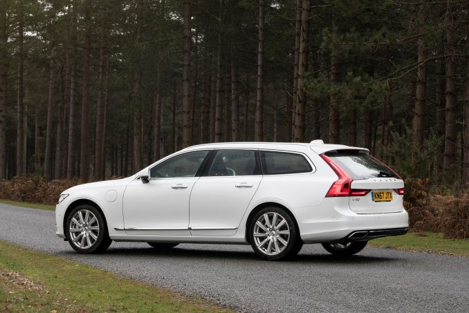 Image 5: Volvo V90 Estate 2.0 T4 Momentum Plus 5dr Geartronic