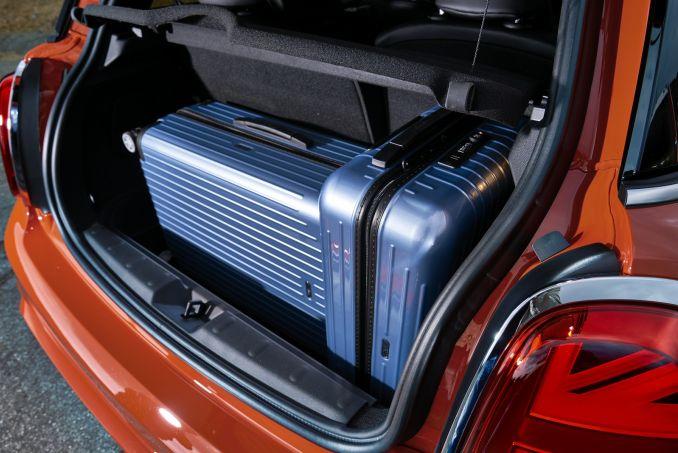 Image 2: Mini Hatchback 1.5 Cooper Classic II 3dr Auto [comfort/NAV Pack]