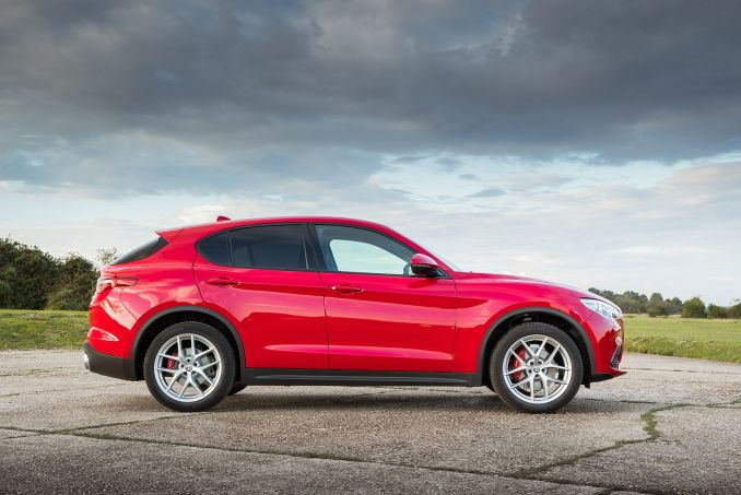 Video Review: Alfa Romeo Stelvio Diesel Estate 2.2 D 190 Super 5dr Auto RWD