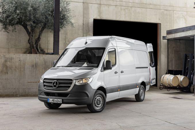 Image 3: Mercedes-Benz Sprinter 311CDI L1 Diesel FWD 3.5T H1 VAN