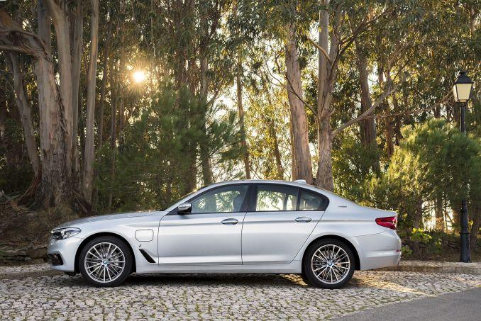 Image 5: BMW 5 Series Saloon 530E M Sport 4dr Auto