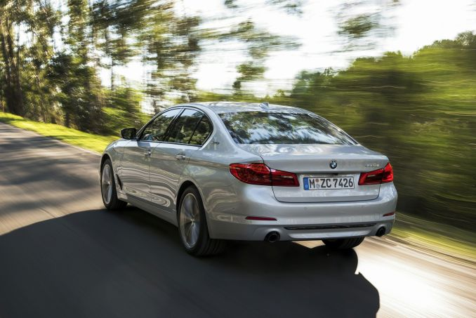 Image 6: BMW 5 Series Saloon 530E M Sport 4dr Auto