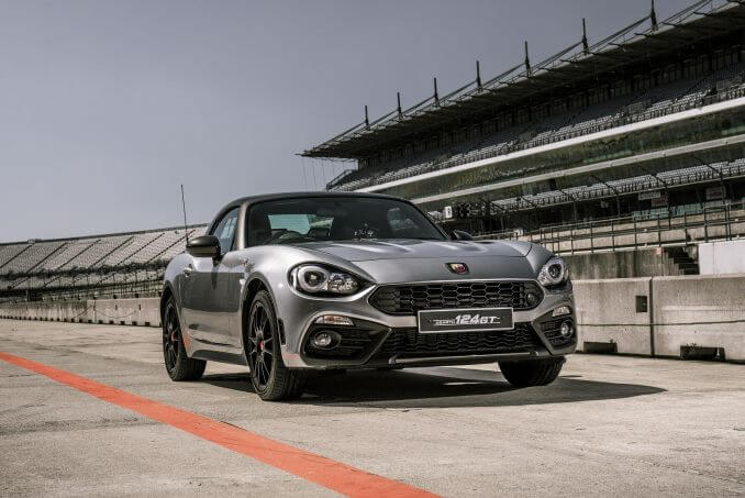 Video Review: Abarth 124 Spider Roadster Special Edition 1.4 T Multiair GT 2dr