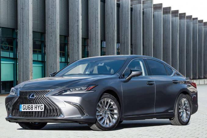 Video Review: Lexus ES Saloon 300H 2.5 4dr CVT [premium Pack]