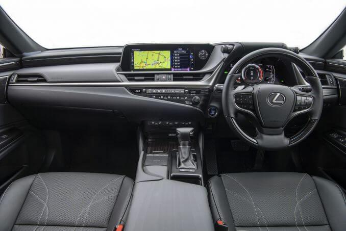 Image 2: Lexus ES Saloon 300H 2.5 4dr CVT [premium Pack]