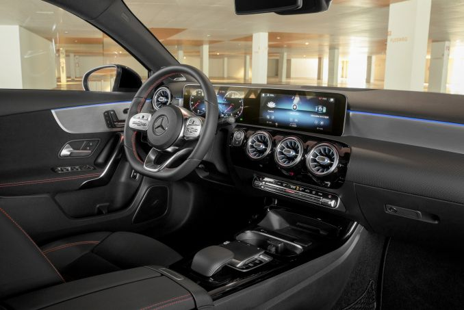 Image 2: Mercedes-Benz A Class Saloon A200 Sport 4dr Auto