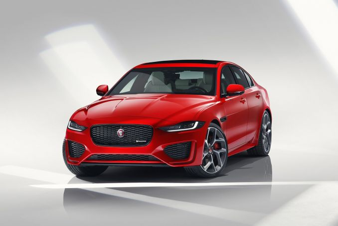 Image 4: Jaguar XE Diesel Saloon 2.0D R-Dynamic S 4dr Auto