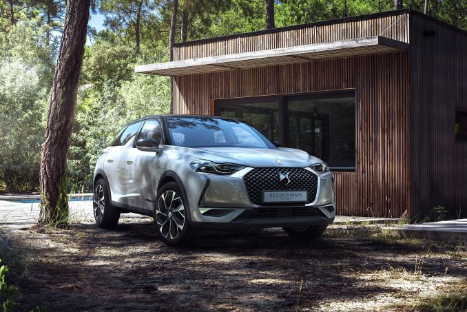 Video Review: DS DS 3 Crossback Hatchback 1.2 Puretech 130 Prestige 5dr EAT8
