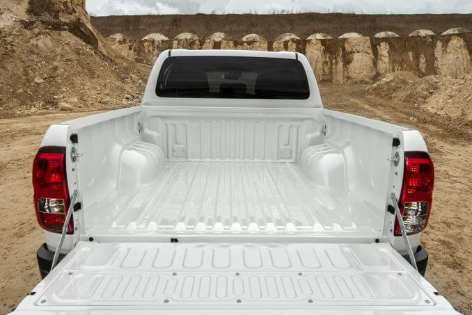 Image 3: Toyota Hilux Diesel Active Extra CAB Pick UP 2.4 D-4D