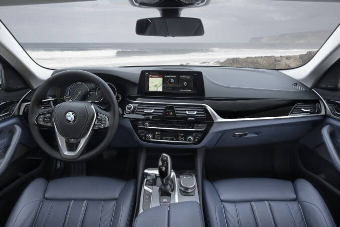 Image 3: BMW 5 Series Saloon 530E M Sport 4dr Auto
