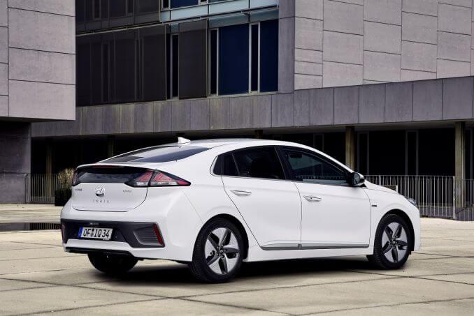 Image 3: Hyundai Ioniq Hatchback 1.6 GDI Hybrid Premium 5dr DCT