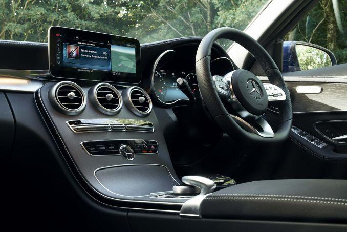 Image 4: Mercedes-Benz C Class Diesel Saloon C220d AMG Line Edition 4dr 9G-Tronic