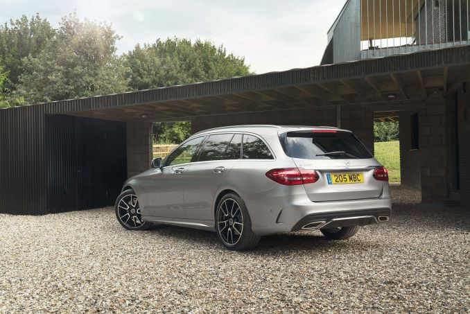 Image 4: Mercedes-Benz C Class Estate Special Editions C300 AMG Line Night Edition Premium 5dr 9G-Tronic