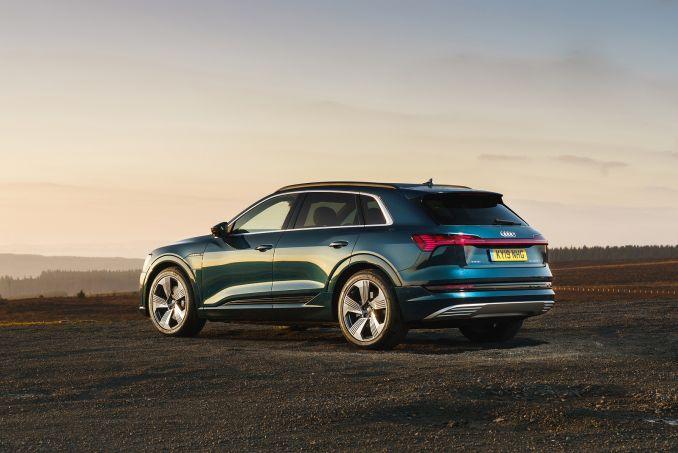 Image 3: Audi E-Tron Estate 230KW 50 Quattro 71KWH S Line 5dr Auto