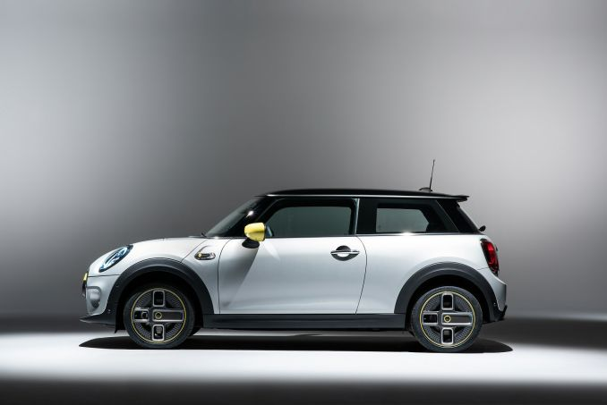 Image 2: Mini Electric Hatchback 135KW Cooper S 1 33KWH 3dr Auto