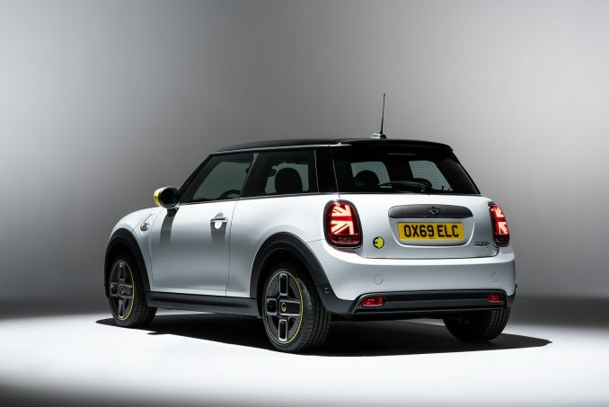 Image 3: Mini Electric Hatchback 135KW Cooper S 1 33KWH 3dr Auto