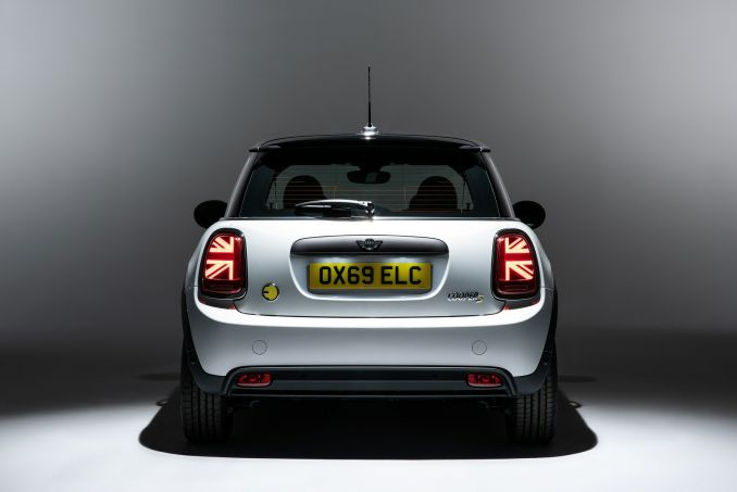 Image 4: Mini Electric Hatchback 135KW Cooper S 1 33KWH 3dr Auto