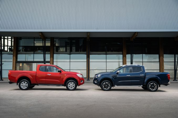 Image 4: Nissan Navara Diesel Double CAB Chassis Visia 2.3DCI 163 TT 4WD