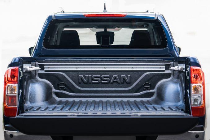 Image 2: Nissan Navara Diesel Double CAB Pick UP Tekna 2.3DCI 190 TT 4WD