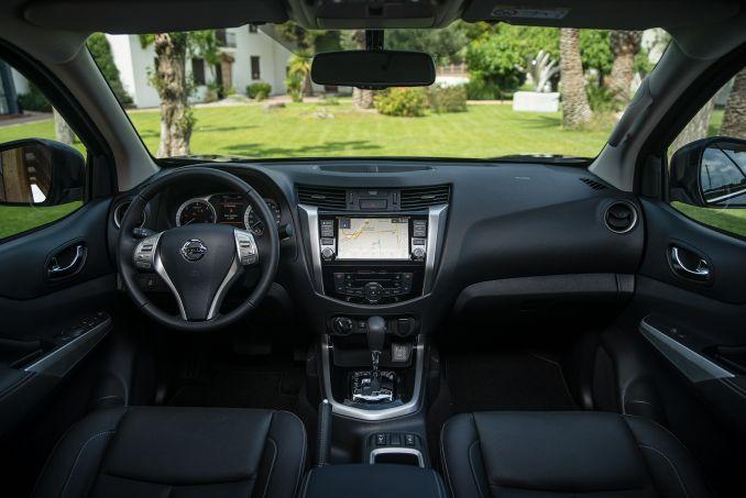 Image 4: Nissan Navara Diesel Double CAB Pick UP Tekna 2.3DCI 190 TT 4WD