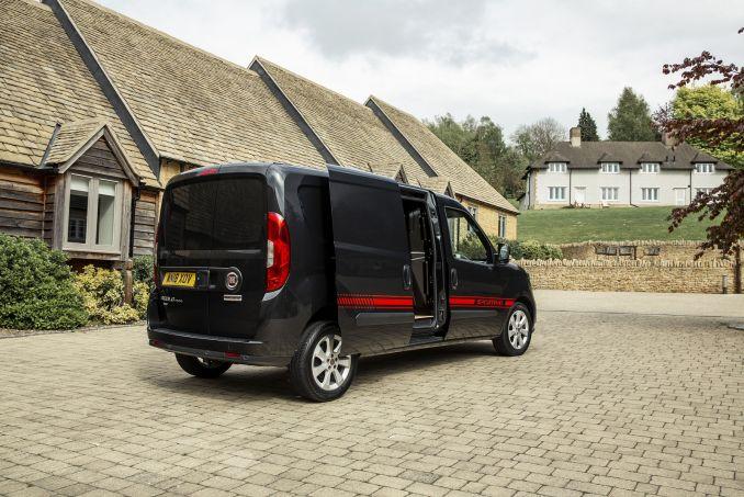 Image 3: Fiat Doblo Cargo Maxi L2 Diesel 1.6 Multijet 16V 105 Sportivo VAN Start Stop