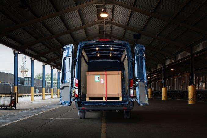 Image 2: Ford Transit 290 L2 Diesel FWD 2.0 Ecoblue 105PS H2 Leader VAN