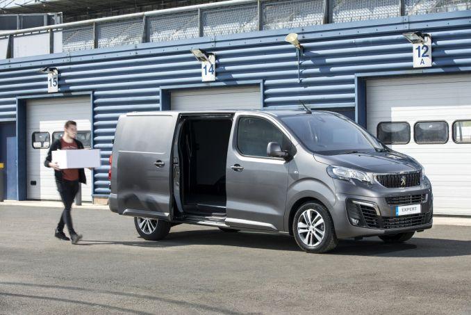 Image 2: Peugeot Expert Compact Diesel 1000 1.5 Bluehdi 100 S VAN