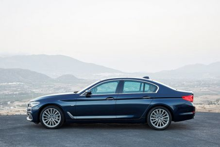 Video Review: BMW 5 Series Saloon 540I Xdrive M Sport 4dr Auto