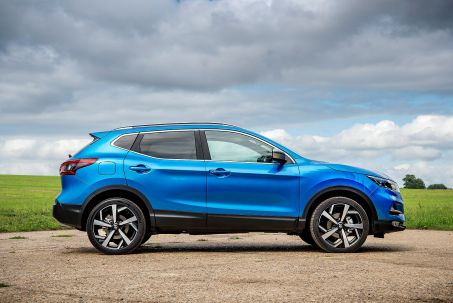 Video Review: Nissan Qashqai Hatchback 1.3 DIG-T 160 N-Connecta 5dr DCT [glass Roof Pack]
