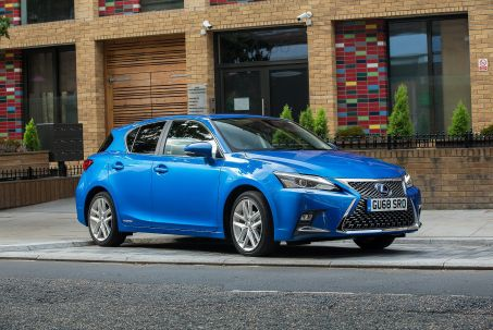 Video Review: Lexus CT Hatchback 200H 1.8 5dr CVT