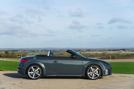 Video Review: Audi TT Roadster 45 Tfsi Quattro Black Edition 2dr S Tronic [tech]
