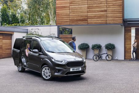 Video Review: Ford Tourneo Courier Diesel Estate 1.5 TDCI Titanium 5dr [start Stop]