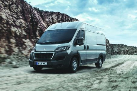 Video Review: Peugeot Boxer 335 L3 Diesel 2.2 Bluehdi H2 Professional VAN 140PS