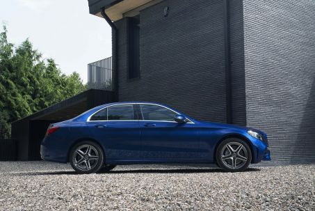 Video Review: Mercedes-Benz C Class Saloon Special Editions C300de AMG Line Night ED Premium 4dr 9G-Tronic