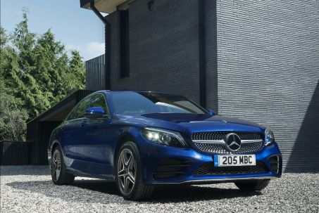 Video Review: Mercedes-Benz C Class Saloon Special Editions C220d AMG Line Night Edition Premium 4dr 9G-Tronic