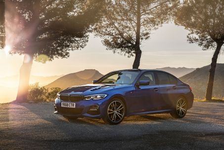 Video Review: BMW 3 Series Saloon 320I M Sport 4dr Step Auto [PRO Pack]