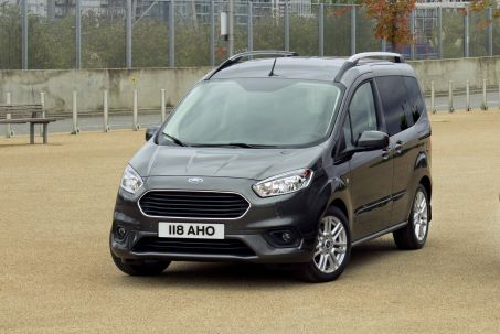 Video Review: Ford Tourneo Connect Diesel Estate 1.5 Ecoblue Zetec 5dr Powershift