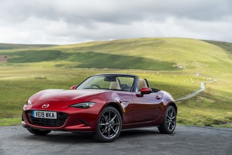 Video Review: Mazda MX-5 Convertible 1.5 [132] SE-L 2dr