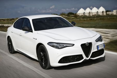 Video Review: Alfa Romeo Giulia Saloon 2.0 TB 280 Veloce [performance Brake] 4dr Auto